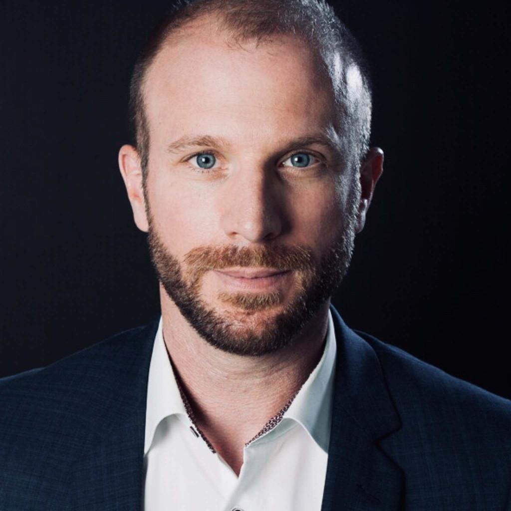 Daniel Gandner ist seit 14 Jahren in der BtoB-Marketingwelt zuhause und seit 7 Jahren Directir Marketing & Communications bei Marabu.