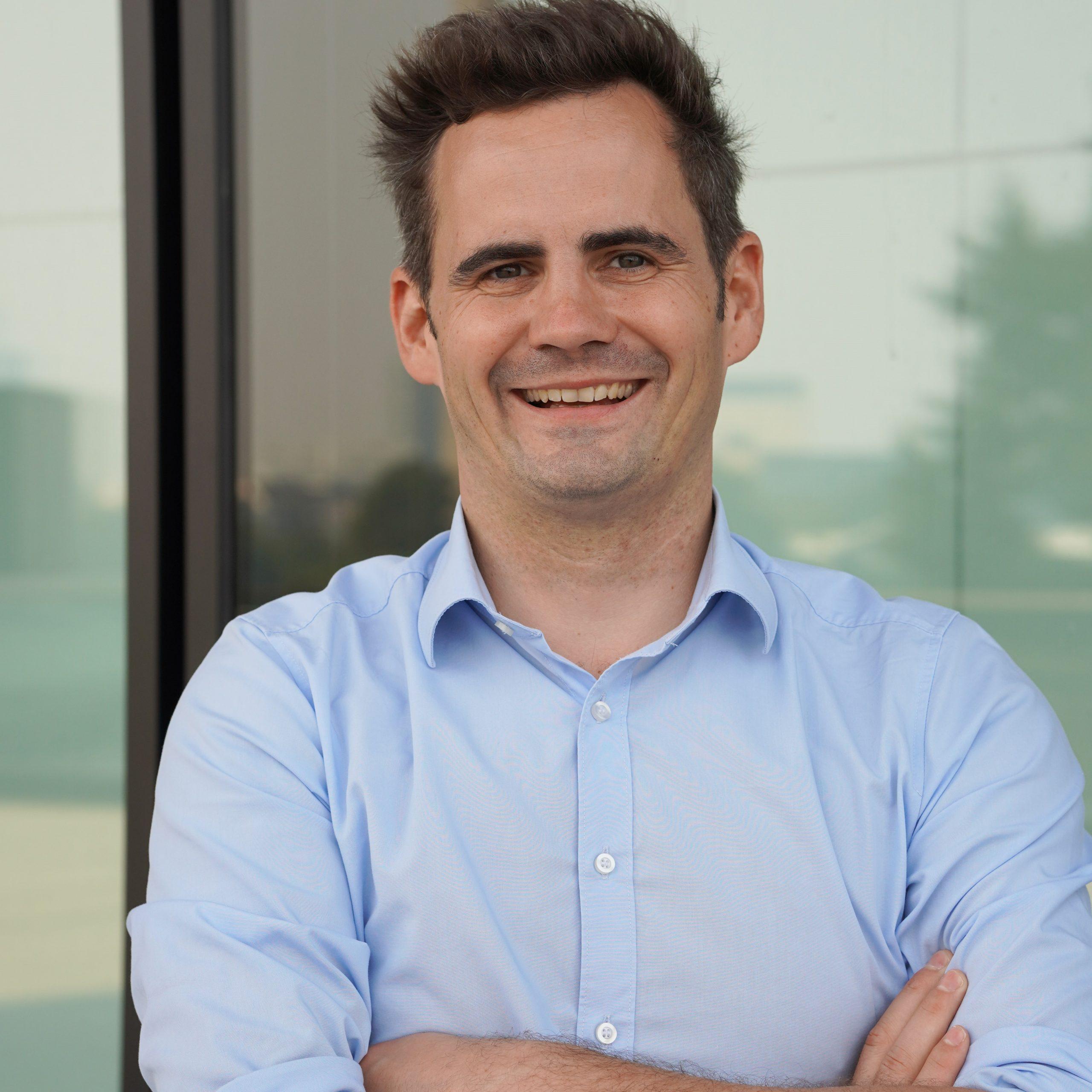 Robert Jänisch ist zertifizierter IT-Business Manager und arbeitet seit mehr als 20 Jahren in der IT-Branche. Er verantwortete verschiedene digitale Transformationsprojekte zu Themen rund um System Management, IT-Prozesse und Service Management.