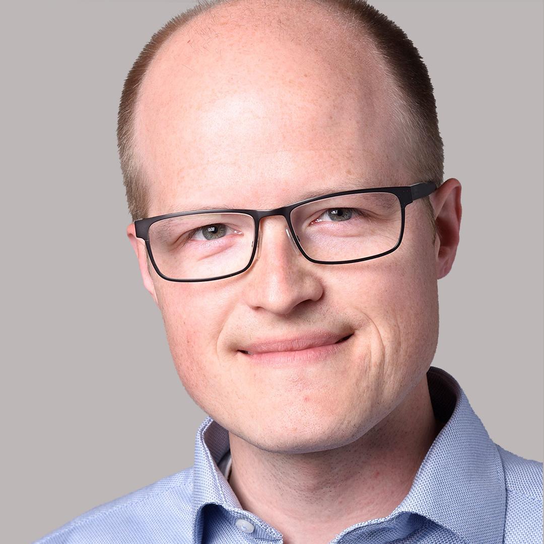 Sebastian Brenner ist der Geschäftsführer von CheMondis, dem mittlerweile größten und am schnellsten wachsenden Online-B2B-Marktplatz für Industriechemikalien in der westlichen Welt. Brenner leitete das Unternehmen vom Konzept bis zur Realisierung, baute die rechtliche Einheit, das Team und das Produkt auf.